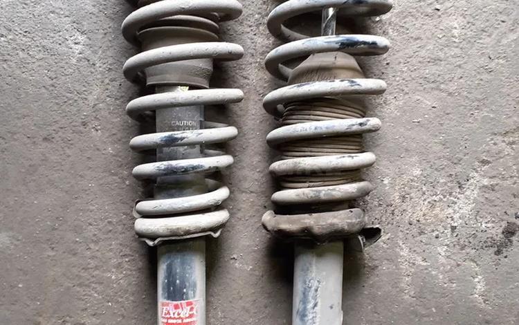 Стойки передние Мазда 6 за 20 000 тг. в Караганда