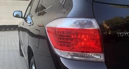 Toyota Highlander 2011 года за 10 500 000 тг. в Актобе – фото 4