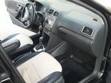 Volkswagen Polo 2013 года за 3 550 000 тг. в Атырау – фото 3