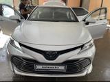 Toyota Camry 2021 года за 17 500 000 тг. в Шымкент – фото 2
