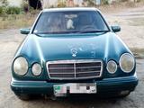 Mercedes-Benz E 200 1996 года за 1 650 000 тг. в Семей – фото 5