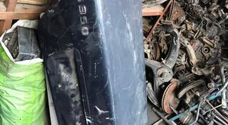 Крышка багажника w140 за 25 000 тг. в Алматы