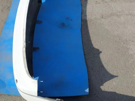 Бампер задний на Toyota Aristo JZS160 за 20 000 тг. в Алматы – фото 2