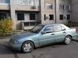 Mercedes-Benz C 220 1994 года за 2 100 000 тг. в Усть-Каменогорск – фото 5