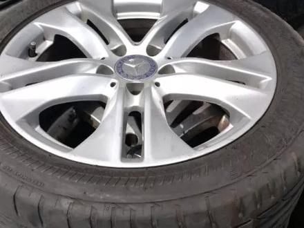 Оригинальные диски на Mercedes-Benz E classe W212 за 180 000 тг. в Алматы – фото 3