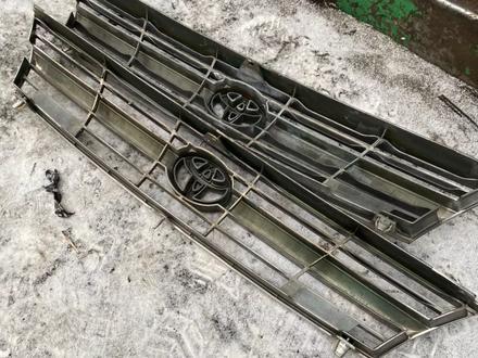 Решётка Радиатор Toyota Estima (1990-1999) за 10 000 тг. в Алматы – фото 3