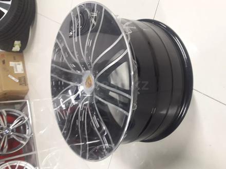 Комплект новых дисков на кайен 21/5/130 вылет 60 ширина 11/9/5. за 350 000 тг. в Актобе