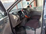 Nissan Almera Tino 2001 года за 2 400 000 тг. в Алматы