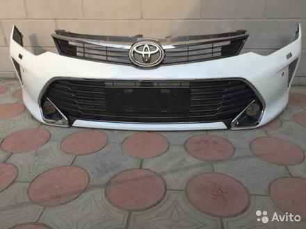 Бампер передний Toyota Camry 55 за 50 000 тг. в Костанай