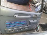 Двери передние на Toyota RAV4 за 100 тг. в Алматы