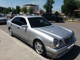 Mercedes-Benz E 240 1998 года за 2 650 000 тг. в Шымкент – фото 2