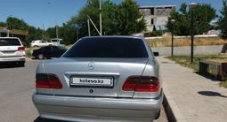Mercedes-Benz E 240 1998 года за 2 650 000 тг. в Шымкент – фото 4