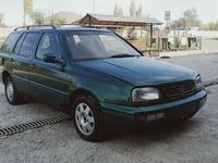 Volkswagen Golf 1997 года за 1 300 000 тг. в Шымкент