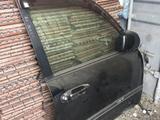 Правая передняя дверь на lexus lx 470 за 555 тг. в Караганда