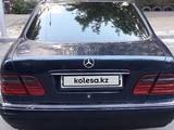 Mercedes-Benz E 280 1996 года за 1 850 000 тг. в Павлодар – фото 4