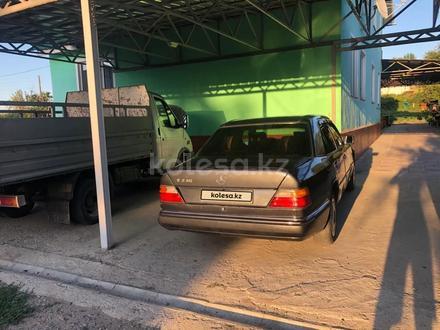 Mercedes-Benz E 230 1992 года за 1 300 000 тг. в Алматы – фото 11