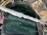 Заднее лобовое стекло на Volkswagen Touareg за 50 000 тг. в Алматы