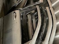 Дверь передняя правая на W220 за 20 000 тг. в Караганда