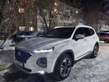 Hyundai Santa Fe 2020 года за 15 900 000 тг. в Уральск