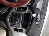 Chevrolet Cruze 2010 года за 2 600 000 тг. в Атырау – фото 2