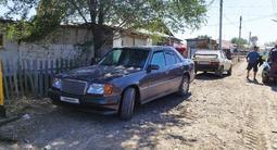 Mercedes-Benz E 220 1993 года за 1 500 000 тг. в Жезказган