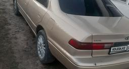 Toyota Camry 1998 года за 2 800 000 тг. в Талдыкорган – фото 2