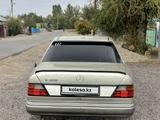 Mercedes-Benz E 280 1993 года за 1 800 000 тг. в Шу – фото 4