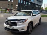 Toyota Highlander 2014 года за 14 100 000 тг. в Усть-Каменогорск