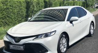 Toyota Camry 2018 года за 10 700 000 тг. в Нур-Султан (Астана)