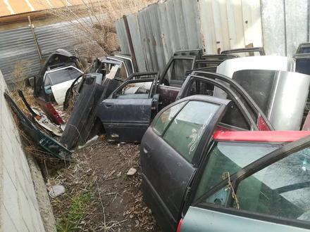 Двери на немецкие автомобили привозные! за 111 111 тг. в Алматы