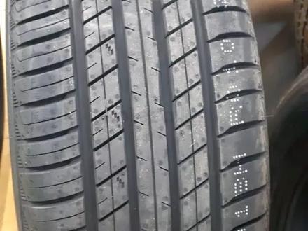 Шины roadx 305/40/r22 Лето за 44 000 тг. в Алматы