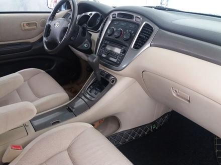Toyota Highlander 2003 года за 6 100 000 тг. в Алматы – фото 13