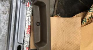 Дверная ручка ниссан патрол внутренняя задняя правая за 20 000 тг. в Алматы