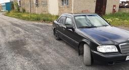 Mercedes-Benz C 180 1995 года за 890 000 тг. в Петропавловск – фото 2