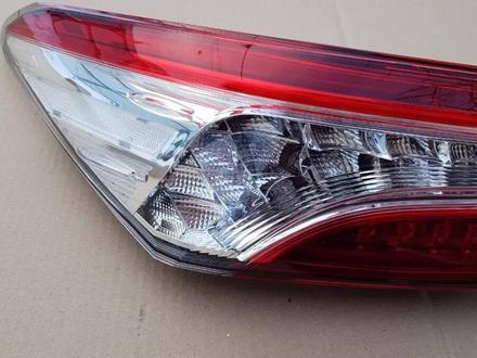 Фонарь левый LED Toyota Camry 70 за 80 000 тг. в Костанай – фото 2