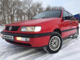 Volkswagen Passat 1994 года за 1 550 000 тг. в Уральск – фото 2