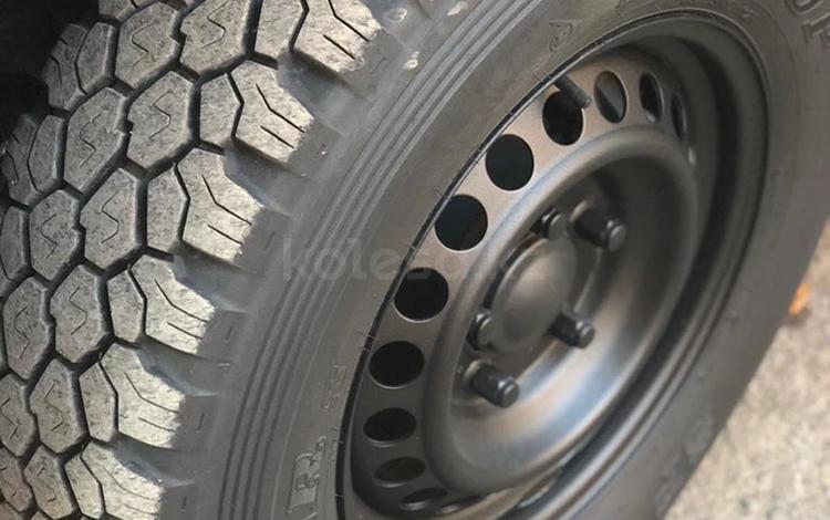 Шины Dunlop Grandtrek 17 за 120 000 тг. в Караганда