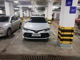 Toyota Camry 2019 года за 11 800 000 тг. в Нур-Султан (Астана)