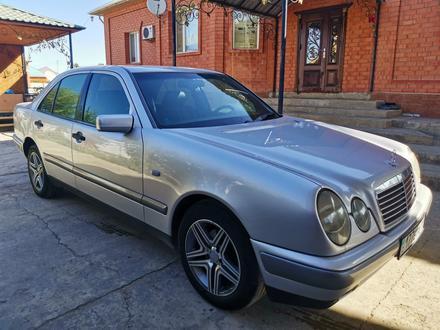 Mercedes-Benz E 230 1997 года за 2 850 000 тг. в Кызылорда