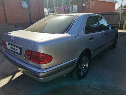 Mercedes-Benz E 230 1997 года за 2 850 000 тг. в Кызылорда – фото 5
