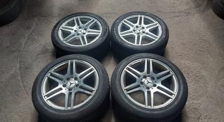 Диски R17 5x112 AMG оригинал с летними шинами за 160 000 тг. в Алматы