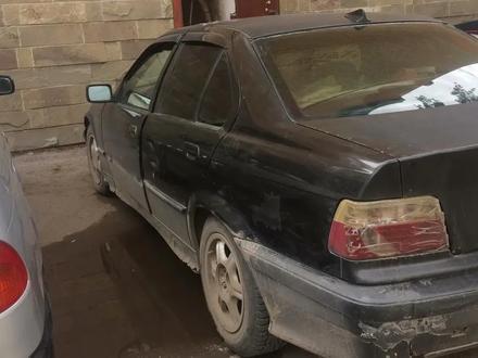 BMW 320 1992 года за 550 000 тг. в Нур-Султан (Астана) – фото 2