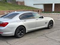 BMW 750 2010 года за 7 500 000 тг. в Алматы