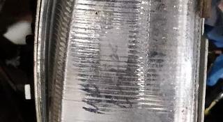 Туманка противотуманная фара правая Мерседес мерс цешка Mercedes Benz w202 за 5 000 тг. в Алматы