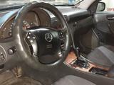 Mercedes-Benz C 180 2001 года за 2 700 000 тг. в Павлодар – фото 4