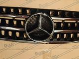 Mercedes ml w163 Решетка радиатора мерседес мл 163 за 30 000 тг. в Алматы