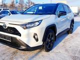 Toyota RAV 4 2021 года за 18 420 000 тг. в Петропавловск – фото 2