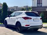 Hyundai Santa Fe 2018 года за 11 100 000 тг. в Алматы – фото 3