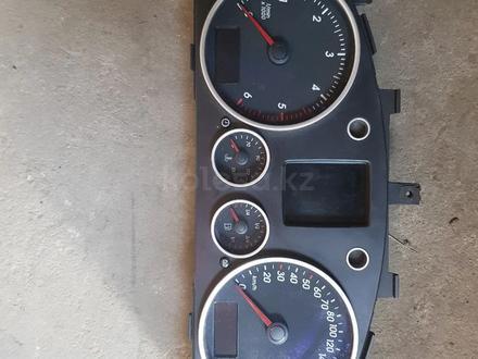 Щиток приборов Volkswagen touareg за 10 000 тг. в Алматы