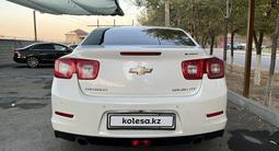 Chevrolet Malibu 2014 года за 6 300 000 тг. в Шымкент – фото 2